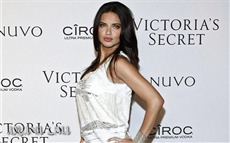 Adriana Lima #059 Wallpapers Pictures Photos Images