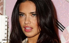 Adriana Lima #060 Wallpapers Pictures Photos Images