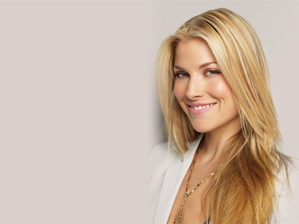 Ali Larter #005 - 1024x768 Wallpapers Pictures Photos Images