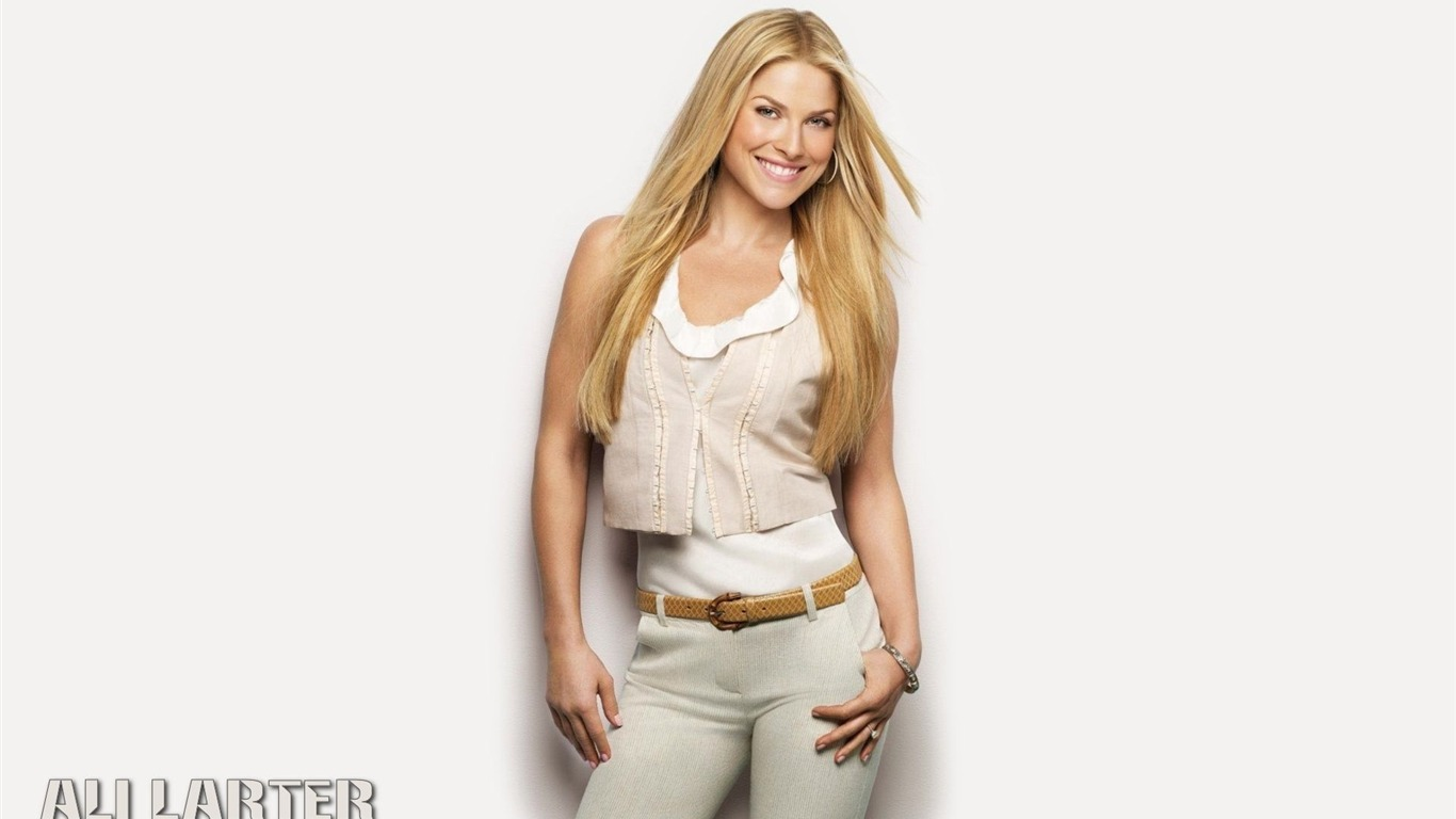 Ali Larter #004 - 1366x768 Wallpapers Pictures Photos Images