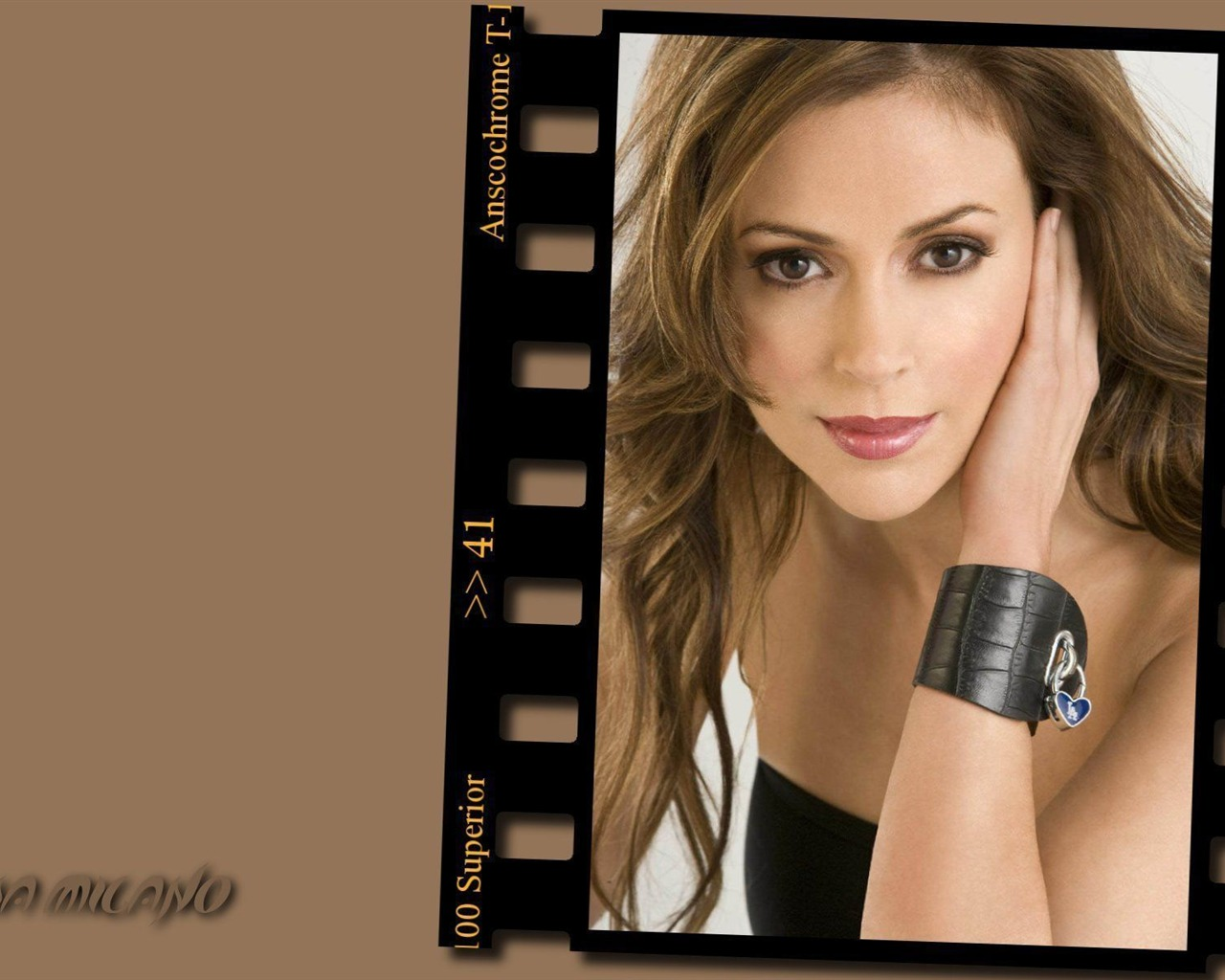 Alyssa Milano #045 - 1280x1024 Wallpapers Pictures Photos Images