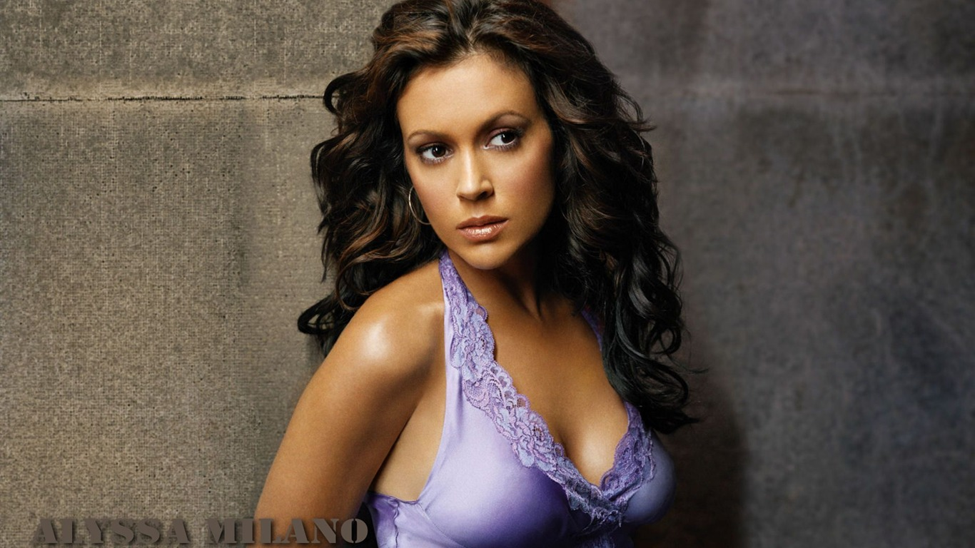 Alyssa Milano #030 - 1366x768 Wallpapers Pictures Photos Images