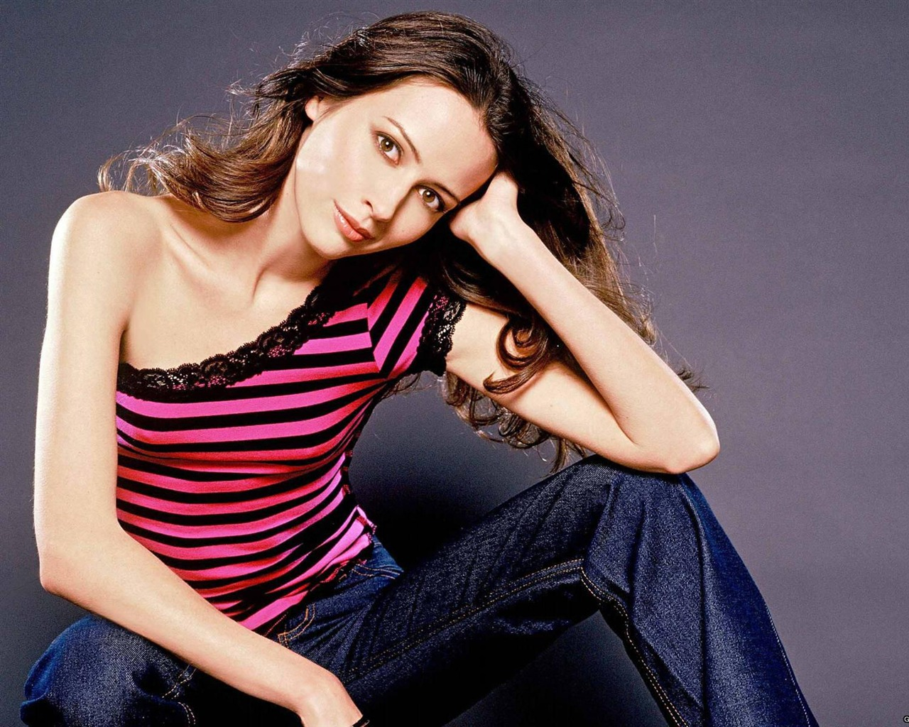 Amy Acker #011 - 1280x1024 Wallpapers Pictures Photos Images