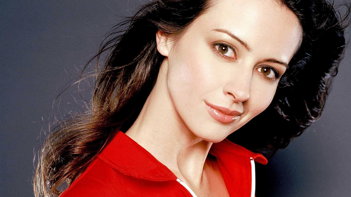 Amy Acker #002 - 1366x768 Wallpapers Pictures Photos Images