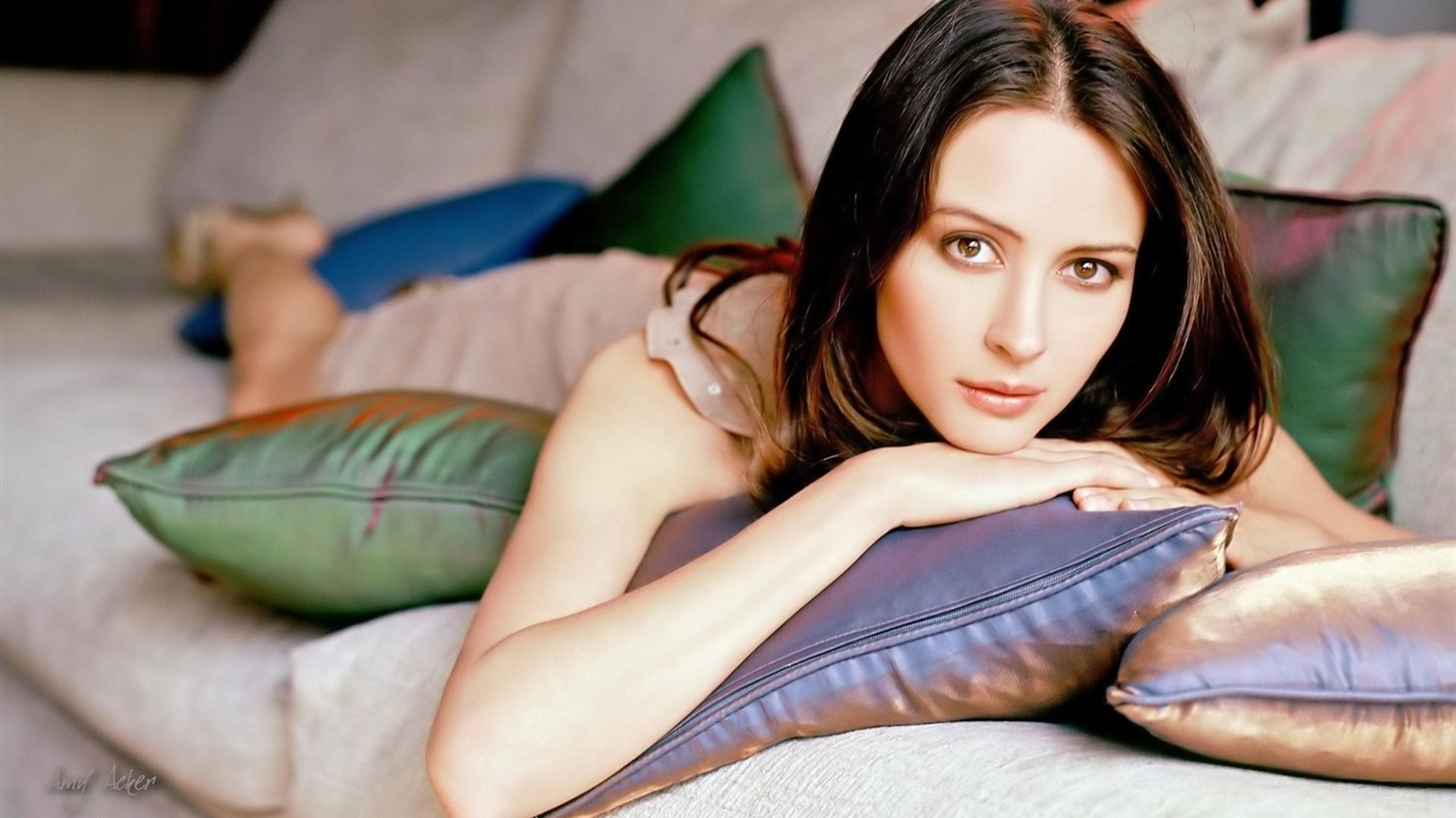 Amy Acker #010 - 1366x768 Wallpapers Pictures Photos Images