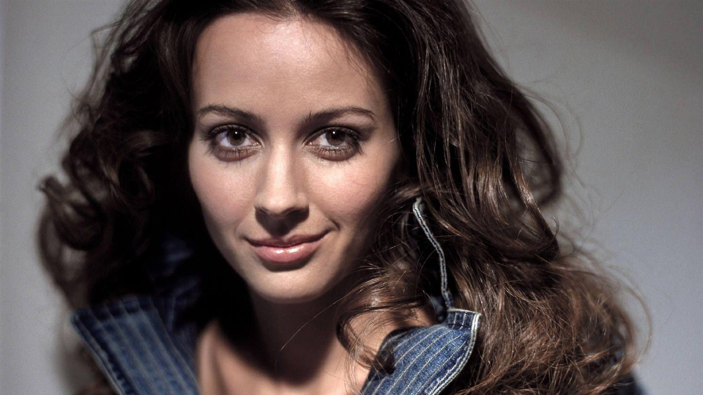 Amy Acker #014 - 1366x768 Wallpapers Pictures Photos Images