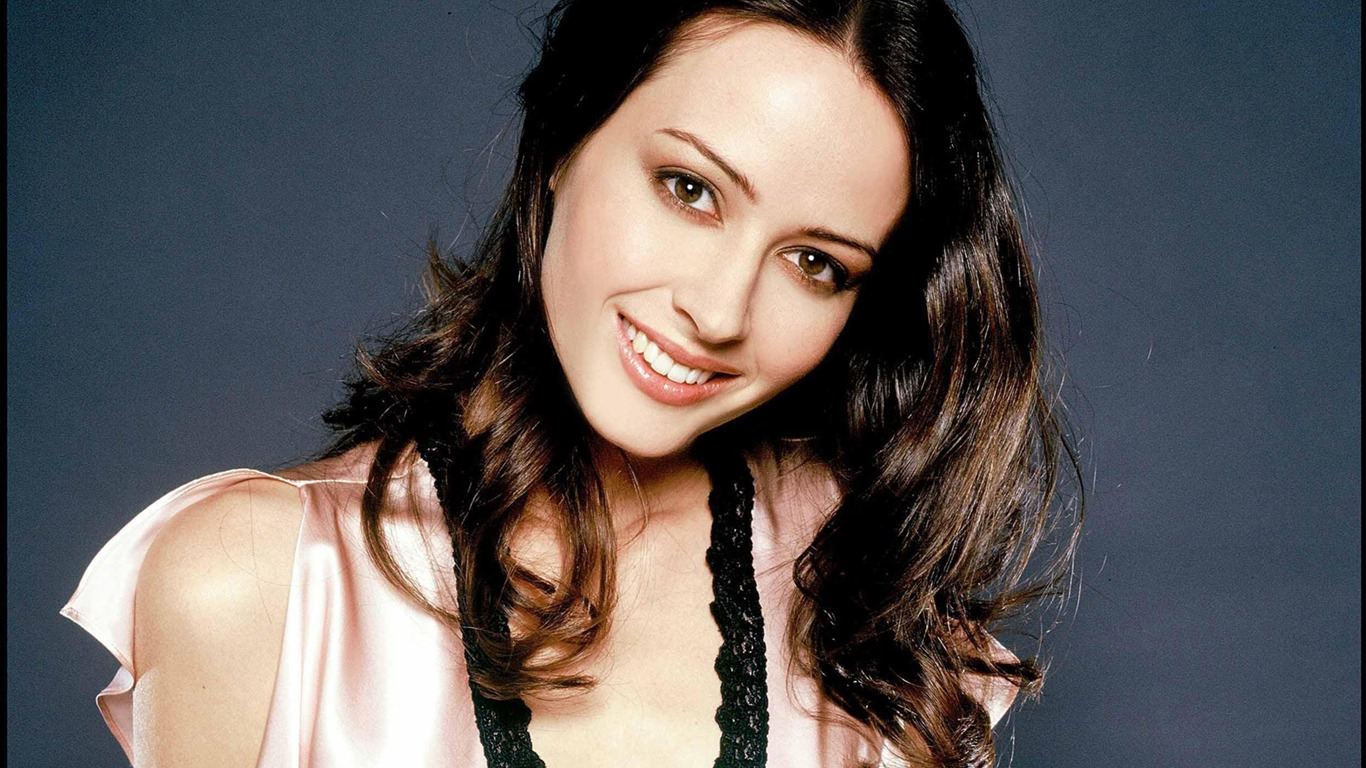 Amy Acker #016 - 1366x768 Wallpapers Pictures Photos Images