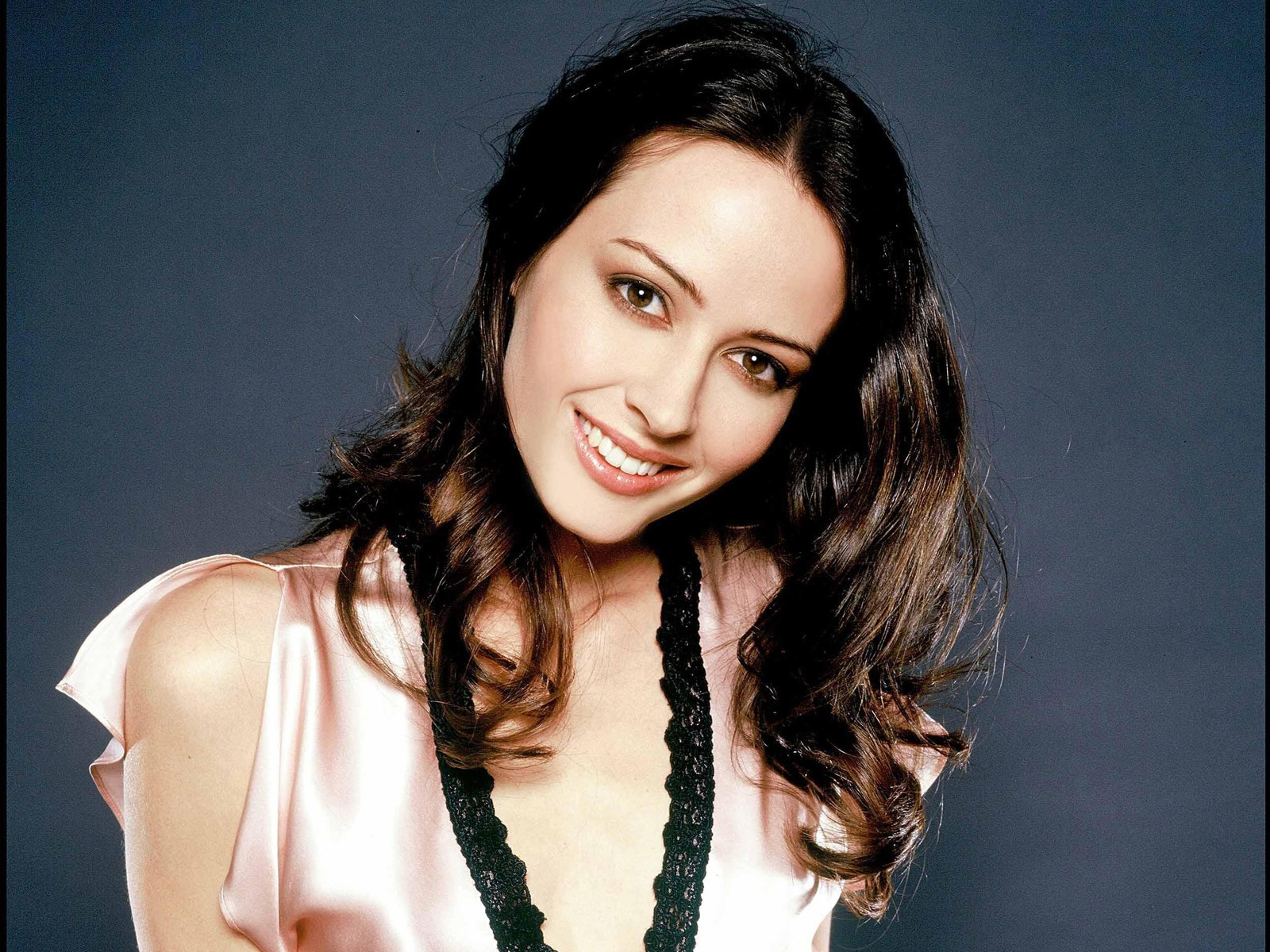 Amy Acker #016 - 1600x1200 Wallpapers Pictures Photos Images