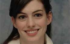 Anne Hathaway #002 Wallpapers Pictures Photos Images