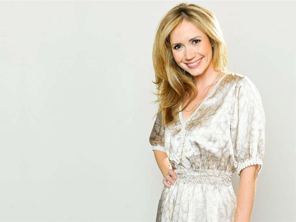 Ashley Jones #007 - 1024x768 Wallpapers Pictures Photos Images