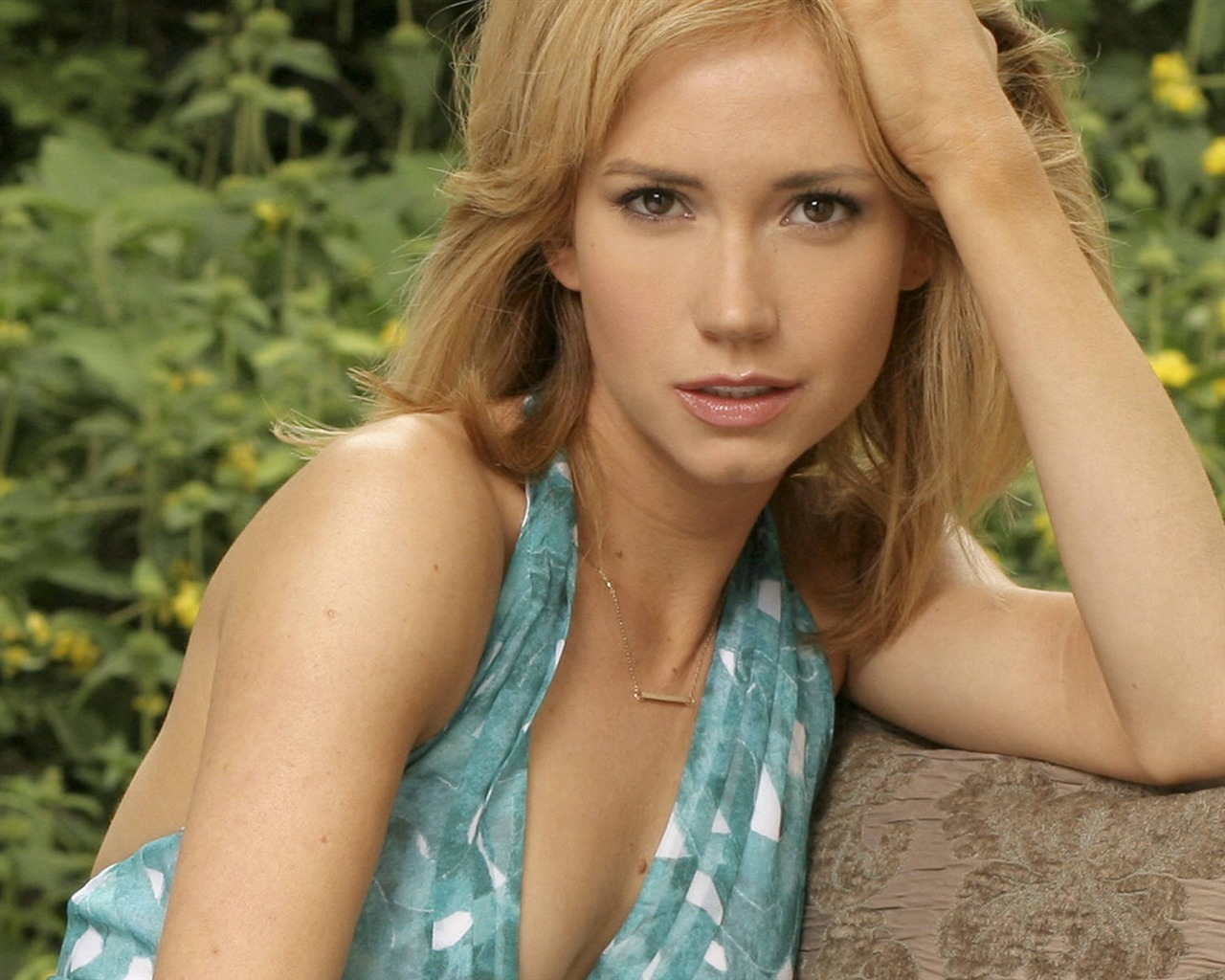 Ashley Jones #006 - 1280x1024 Wallpapers Pictures Photos Images