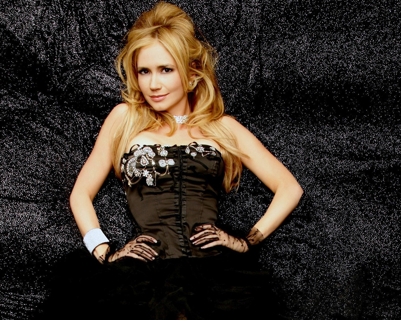 Ashley Jones #009 - 1280x1024 Wallpapers Pictures Photos Images