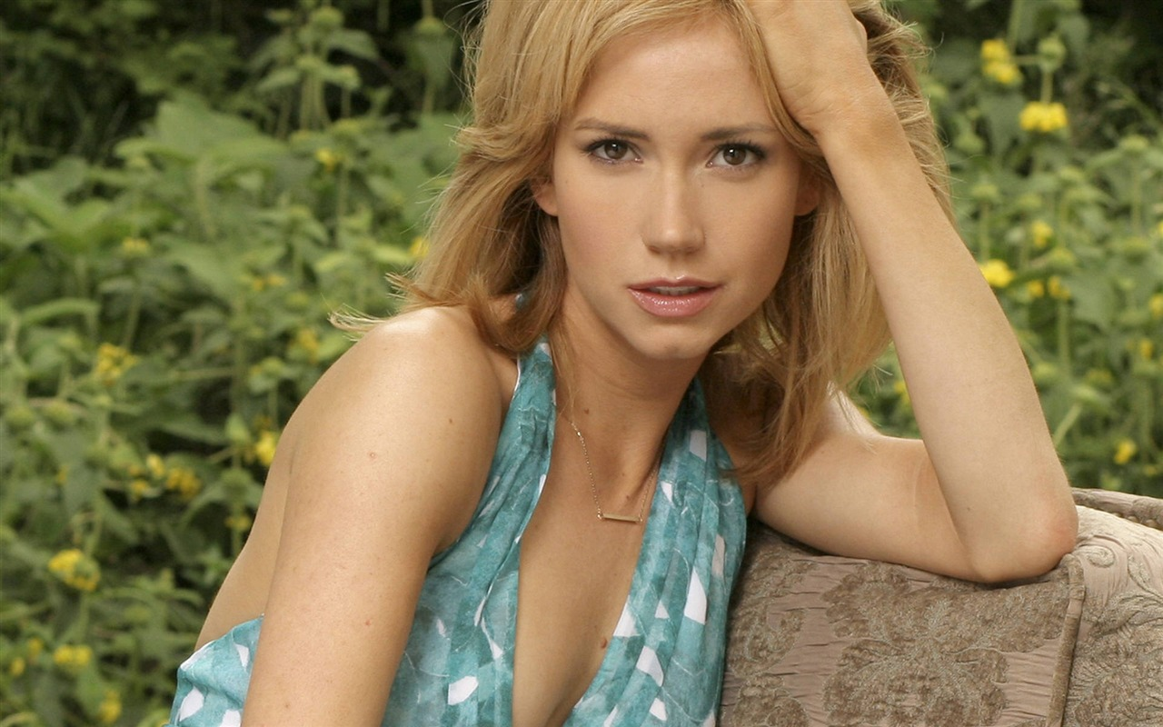 Ashley Jones #006 - 1280x800 Wallpapers Pictures Photos Images
