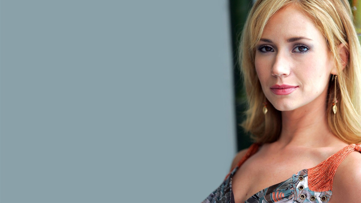 Ashley Jones #008 - 1366x768 Wallpapers Pictures Photos Images