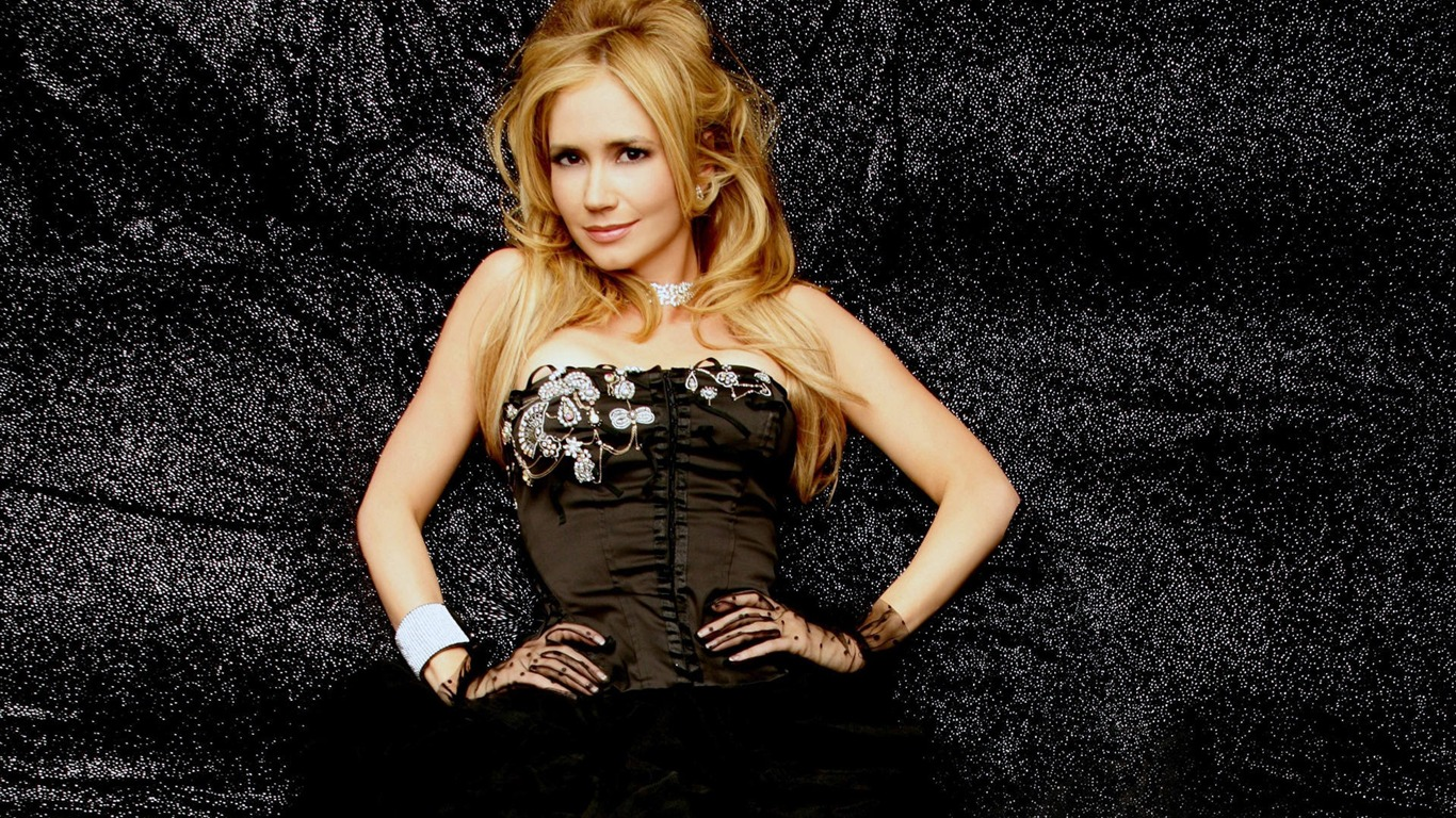 Ashley Jones #009 - 1366x768 Wallpapers Pictures Photos Images