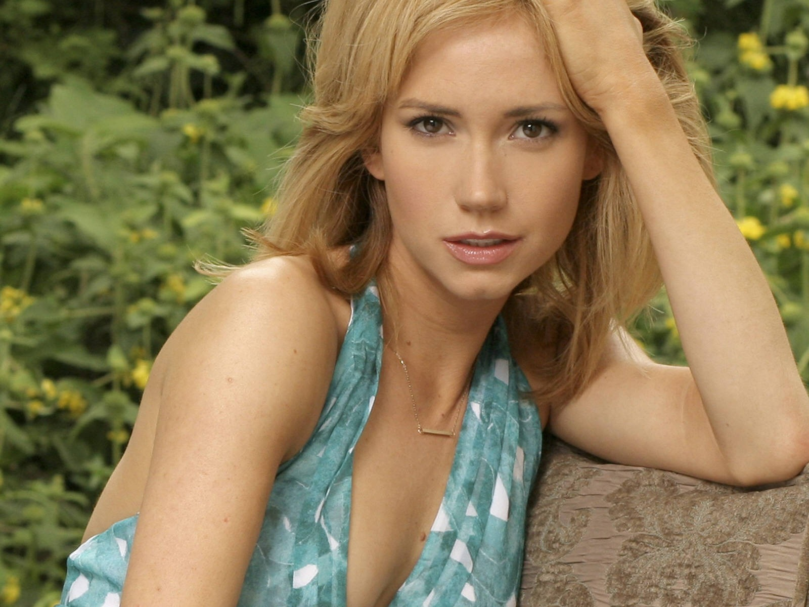 Ashley Jones #006 - 1600x1200 Wallpapers Pictures Photos Images