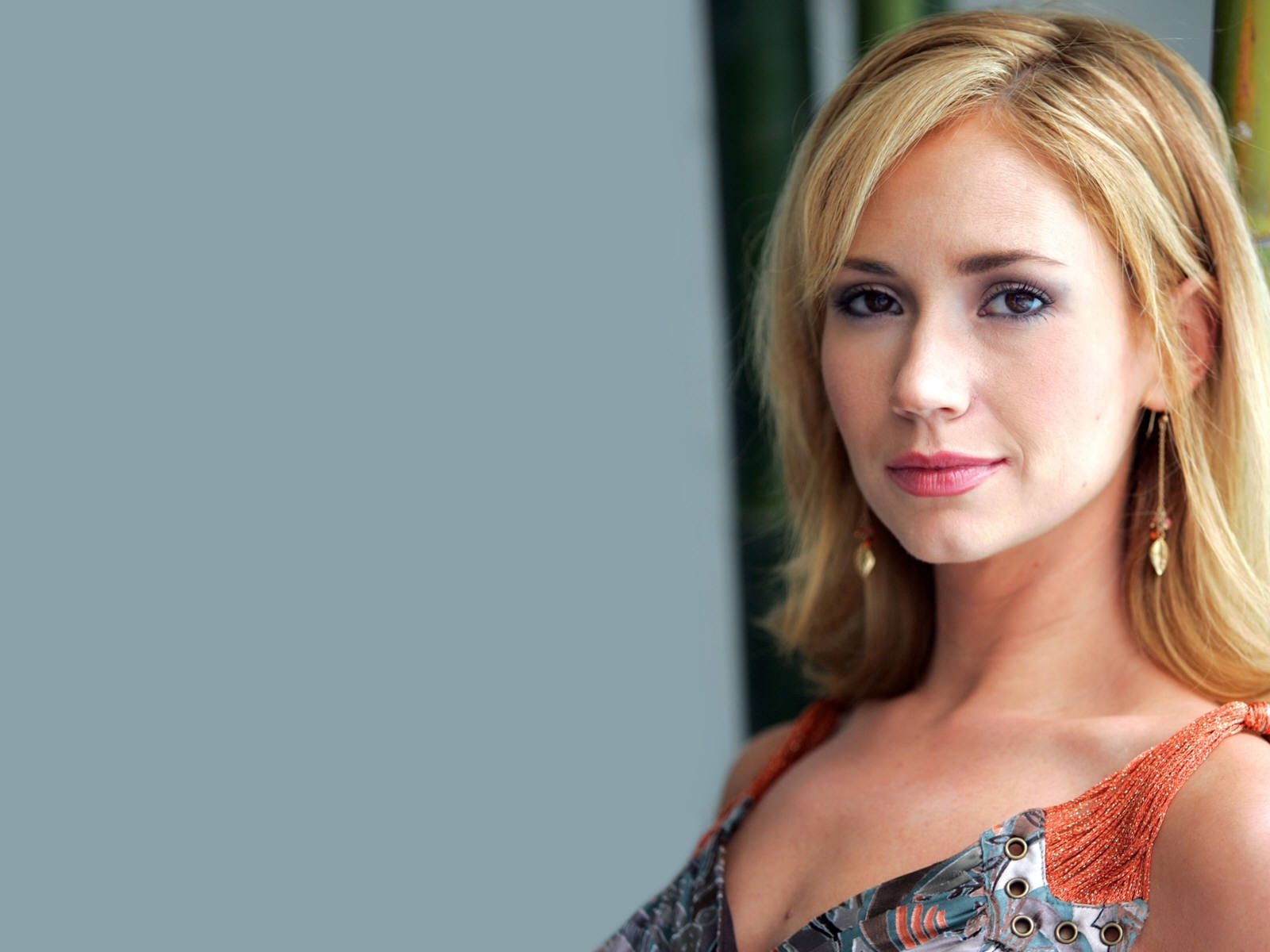 Ashley Jones #008 - 1600x1200 Wallpapers Pictures Photos Images