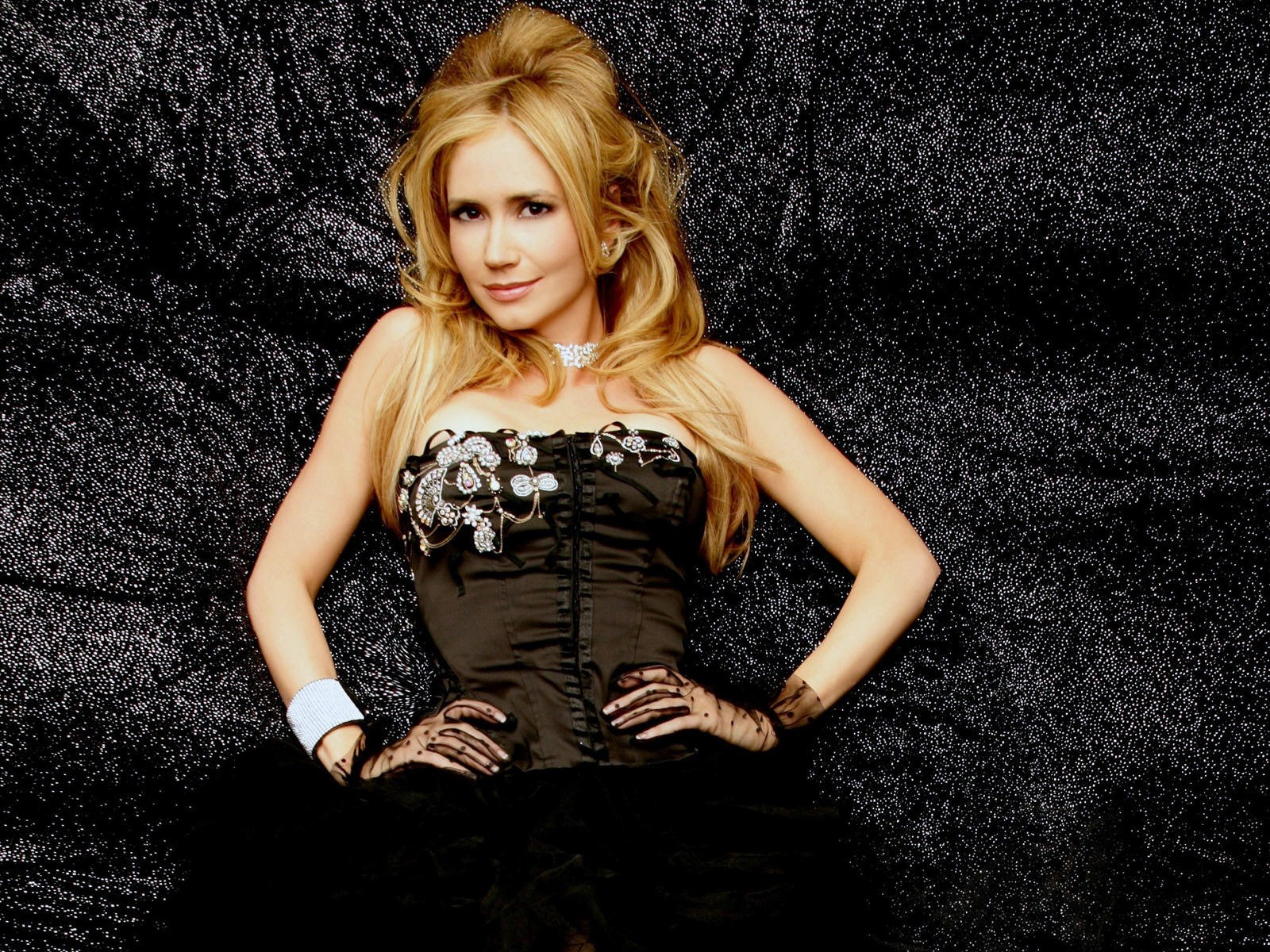 Ashley Jones #009 - 1600x1200 Wallpapers Pictures Photos Images