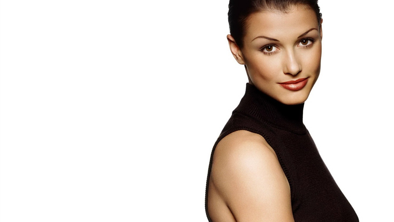 Bridget Moynahan #012 - 1366x768 Wallpapers Pictures Photos Images