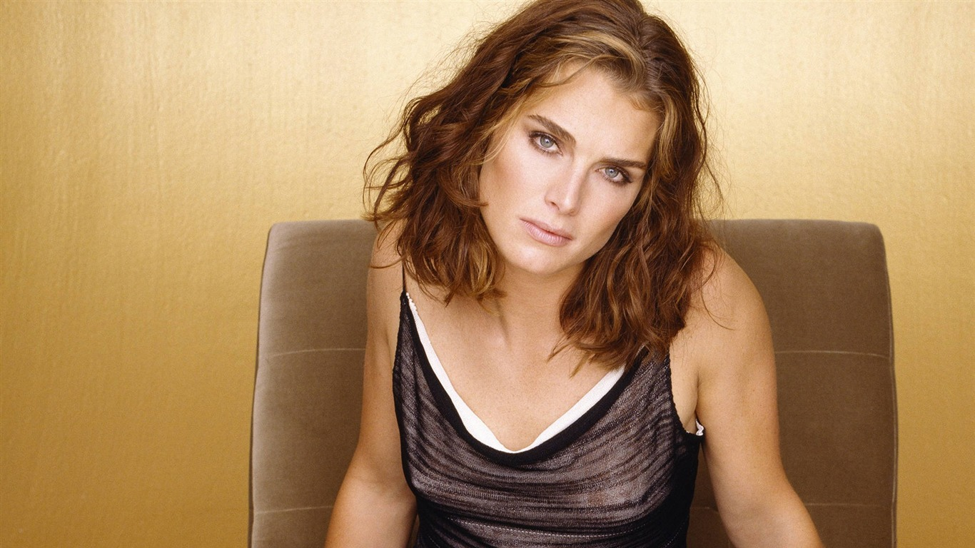 Brooke Shields #024 - 1366x768 Wallpapers Pictures Photos Images