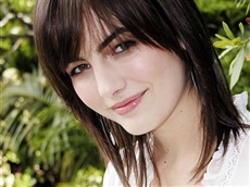 Camilla Belle #005 Wallpapers Pictures Photos Images