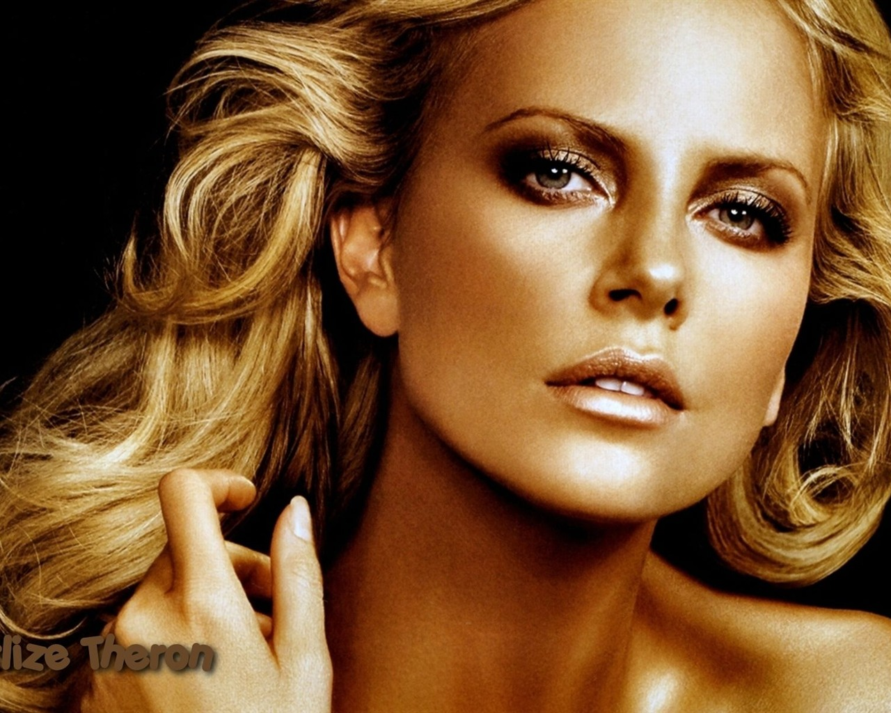Charlize Theron #072 - 1280x1024 Wallpapers Pictures Photos Images