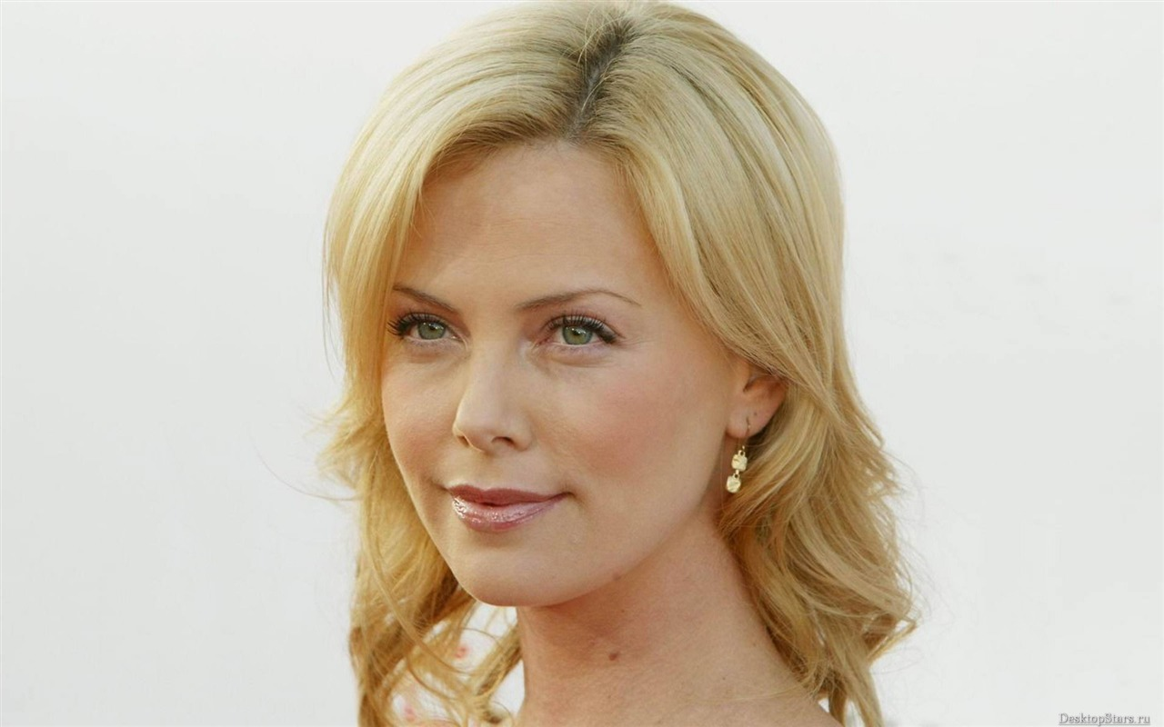 Charlize Theron #016 - 1280x800 Wallpapers Pictures Photos Images
