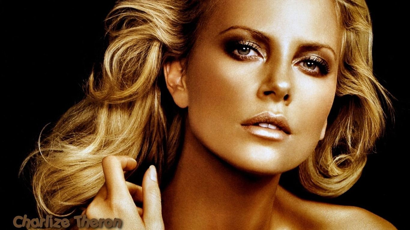 Charlize Theron #072 - 1366x768 Wallpapers Pictures Photos Images