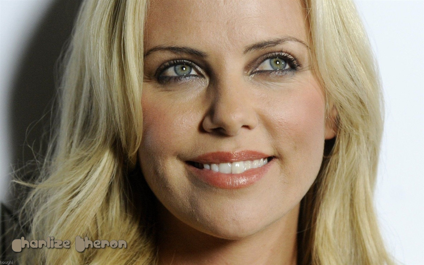 Charlize Theron #099 - 1680x1050 Wallpapers Pictures Photos Images