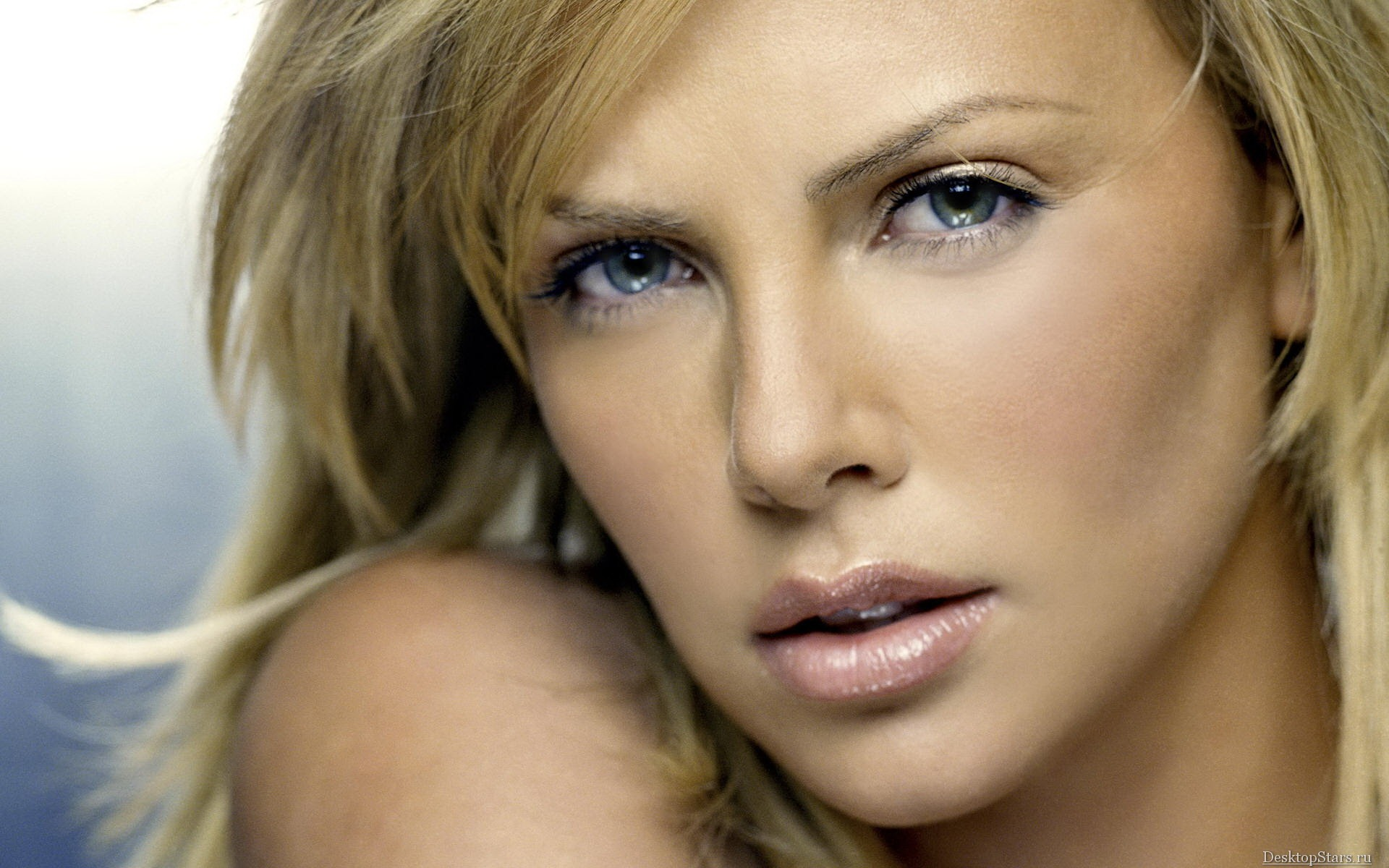 Charlize Theron #029 - 1920x1200 Wallpapers Pictures Photos Images