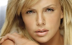 Charlize Theron #037 Wallpapers Pictures Photos Images