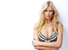 Claudia Schiffer #018 Wallpapers Pictures Photos Images