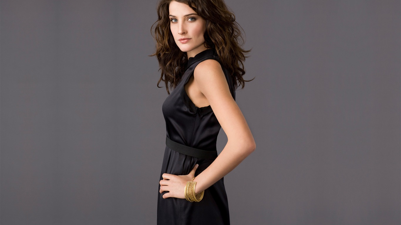 Cobie Smulders #012 - 1366x768 Wallpapers Pictures Photos Images