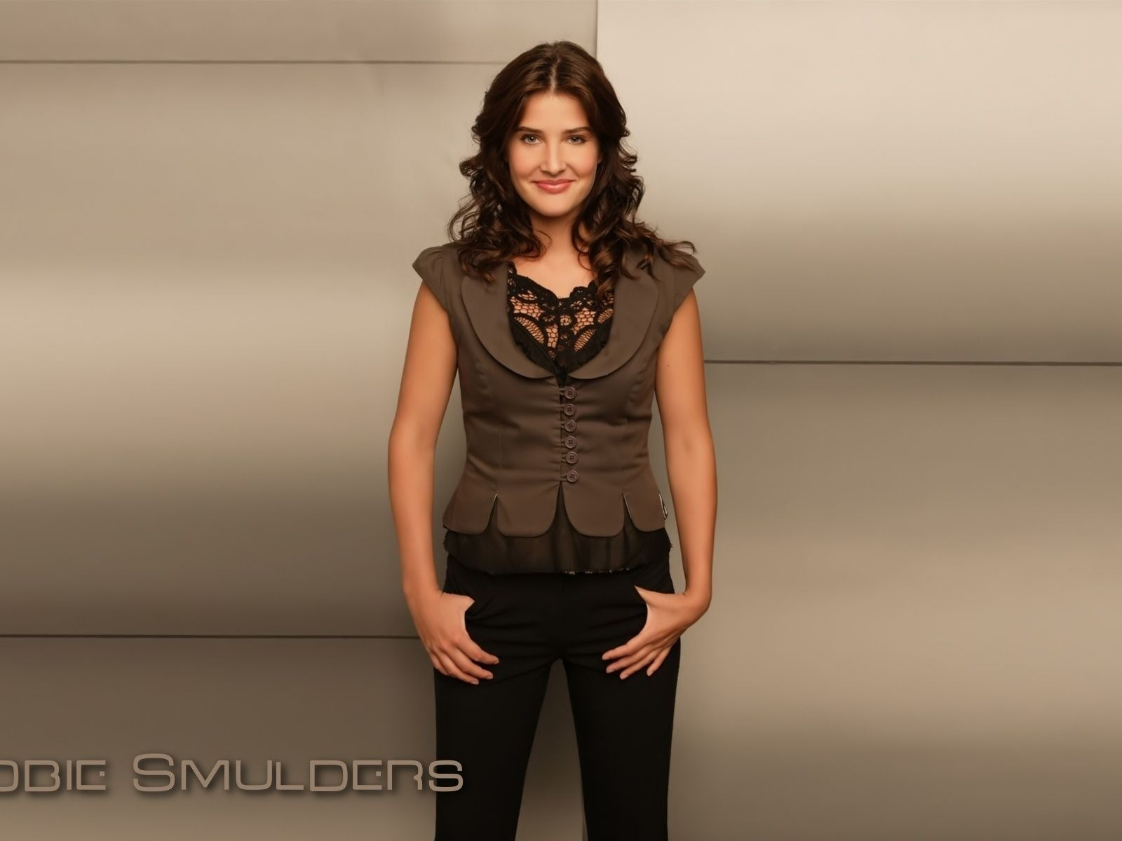Cobie Smulders #008 - 1600x1200 Wallpapers Pictures Photos Images