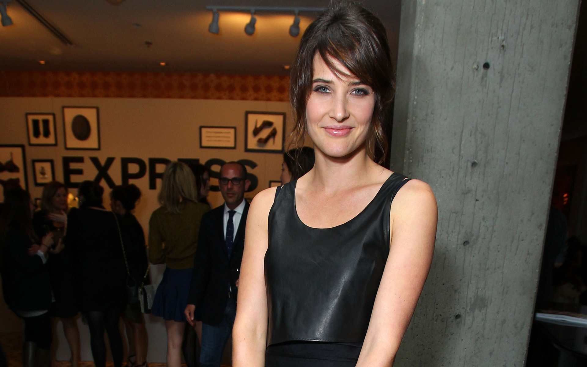 Cobie Smulders #014 - 1920x1200 Wallpapers Pictures Photos Images