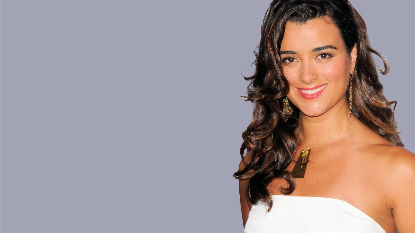Cote de Pablo #018 - 1366x768 Wallpapers Pictures Photos Images
