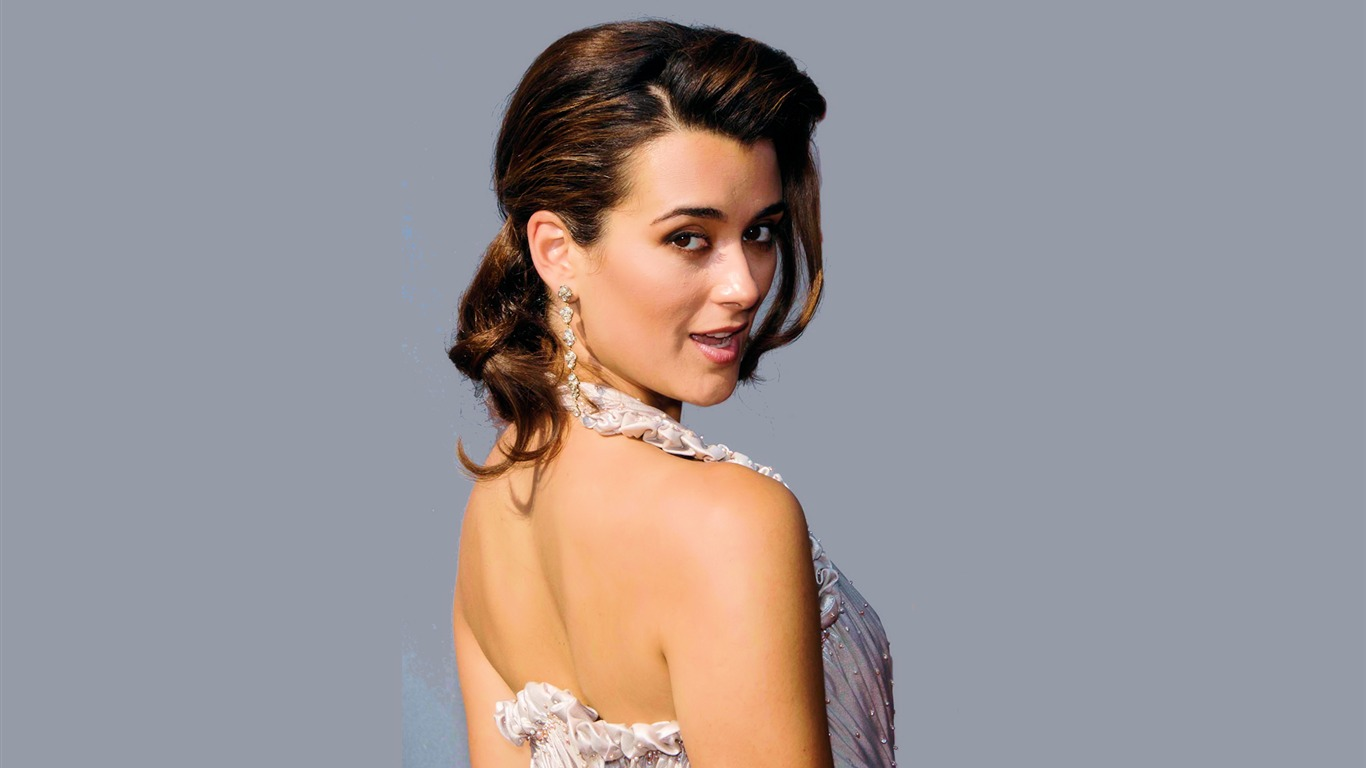Cote de Pablo #020 - 1366x768 Wallpapers Pictures Photos Images
