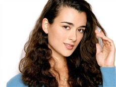 Cote de Pablo #012 Wallpapers Pictures Photos Images