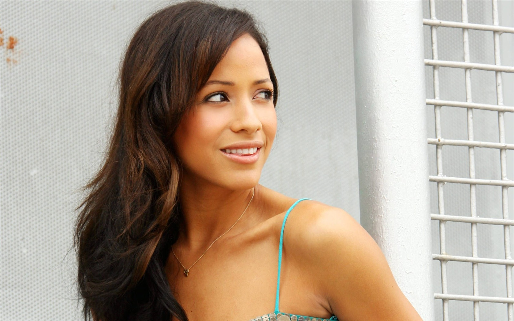 Dania Ramirez #010 - 1680x1050 Wallpapers Pictures Photos Images
