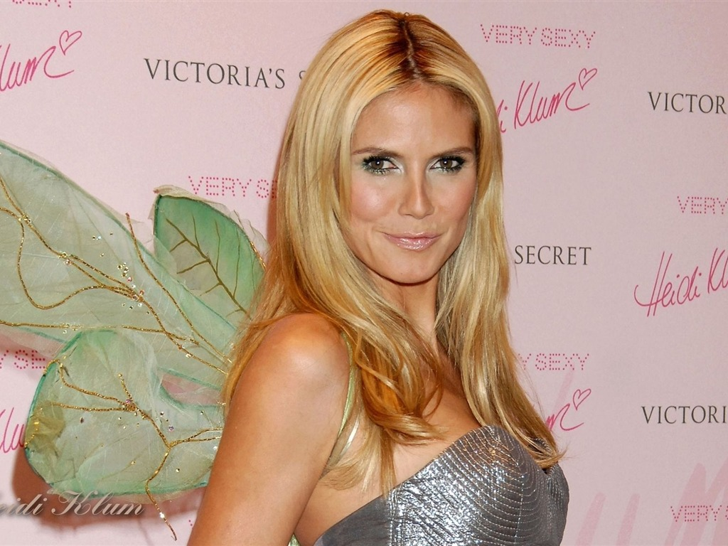 Heidi Klum #047 - 1024x768 Wallpapers Pictures Photos Images