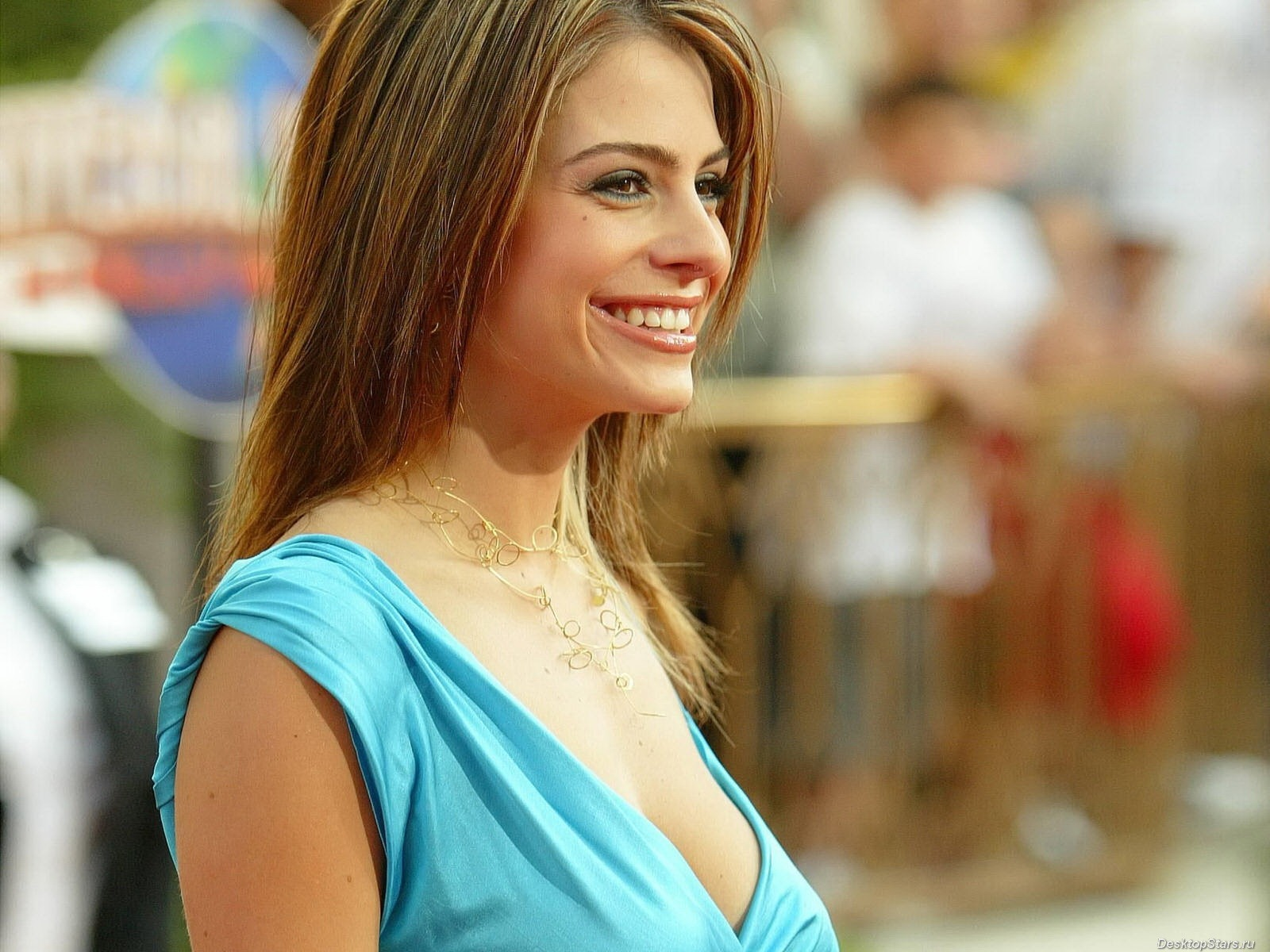 Maria Menounos #015 - 1600x1200 Wallpapers Pictures Photos Images