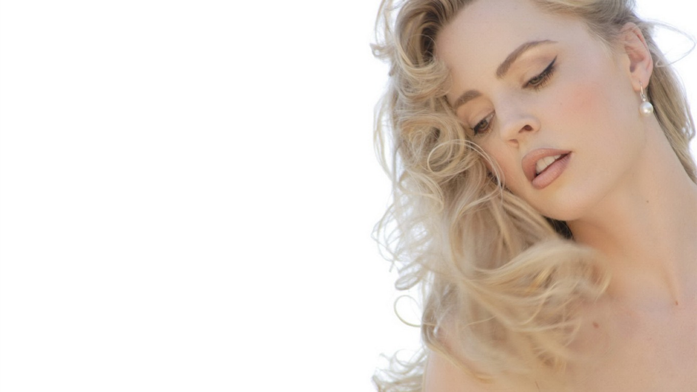 Melissa George #012 - 1366x768 Wallpapers Pictures Photos Images
