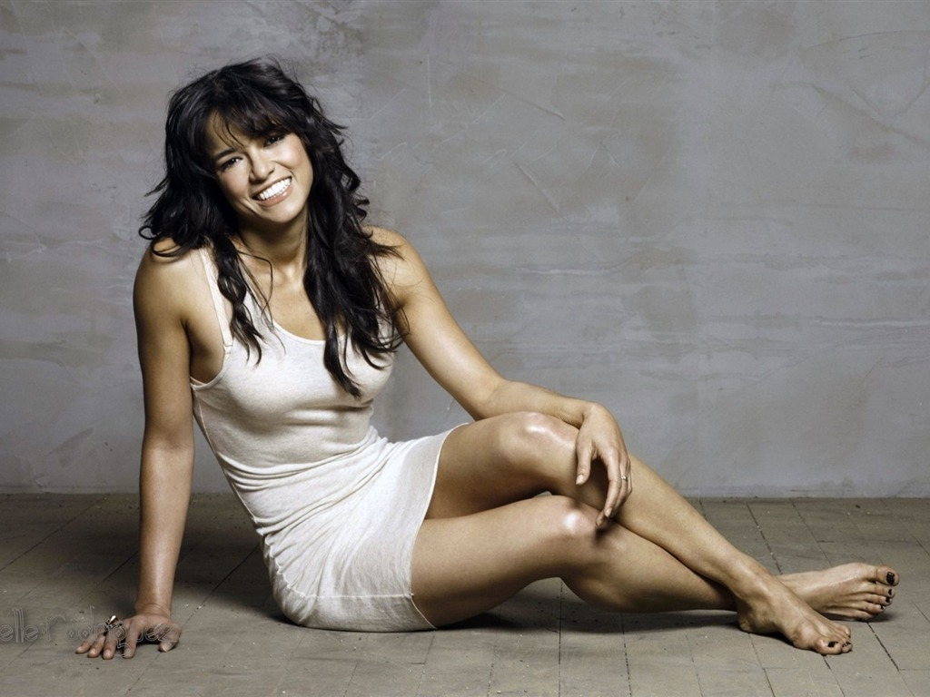 Michelle Rodriguez #002 - 1024x768 Wallpapers Pictures Photos Images