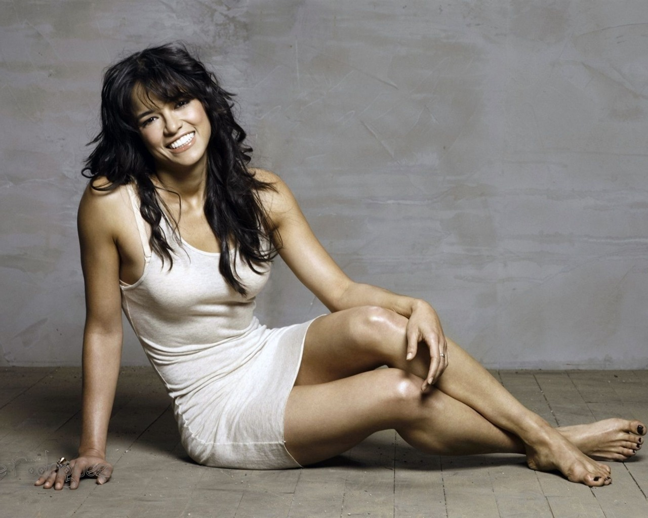 Michelle Rodriguez #002 - 1280x1024 Wallpapers Pictures Photos Images