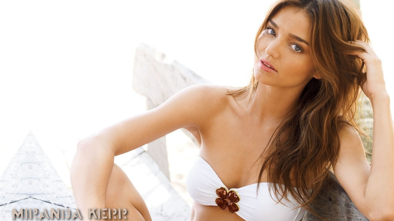 Miranda Kerr #026 - 1366x768 Wallpapers Pictures Photos Images
