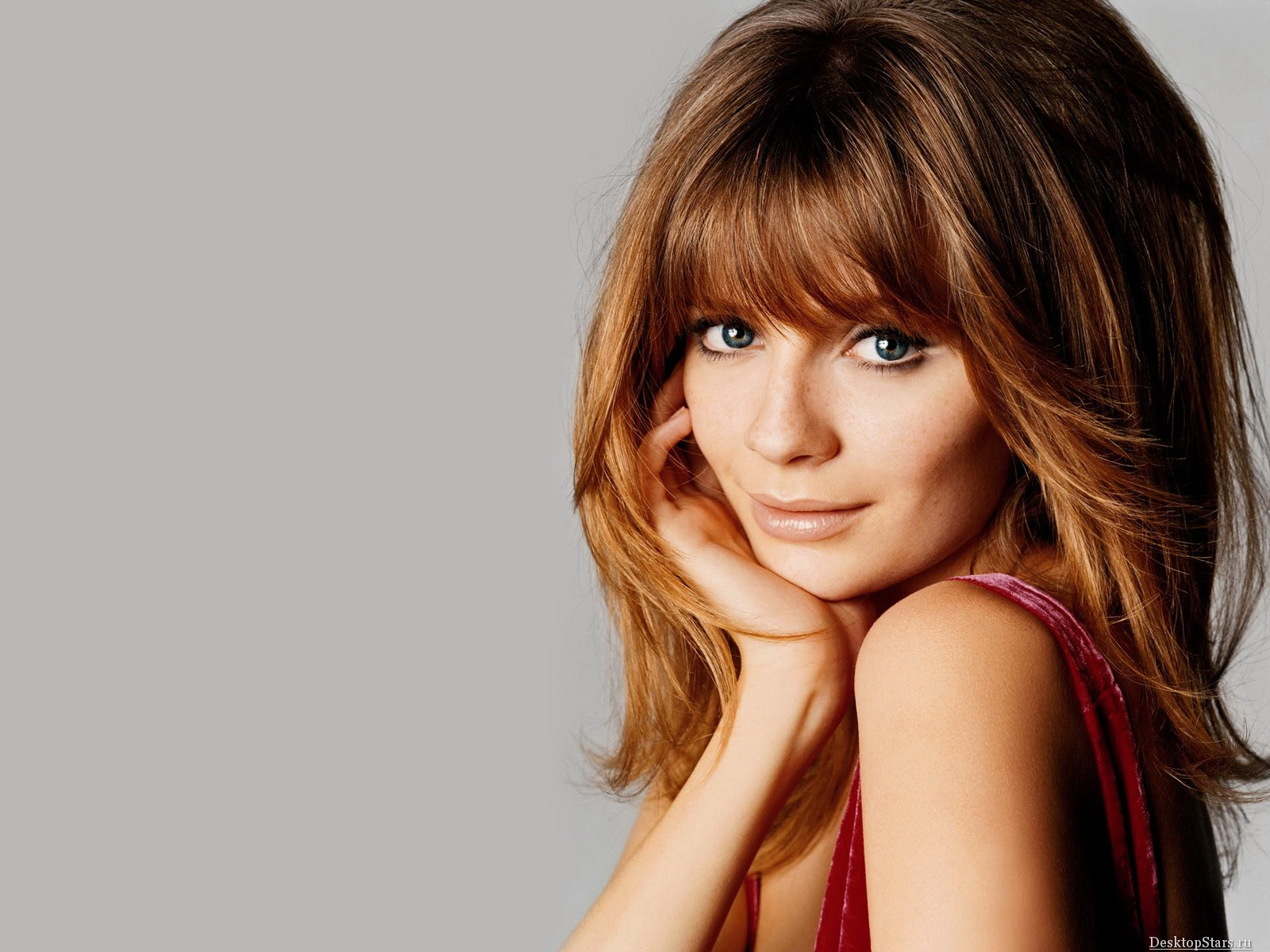 Mischa Barton #067 - 1600x1200 Wallpapers Pictures Photos Images
