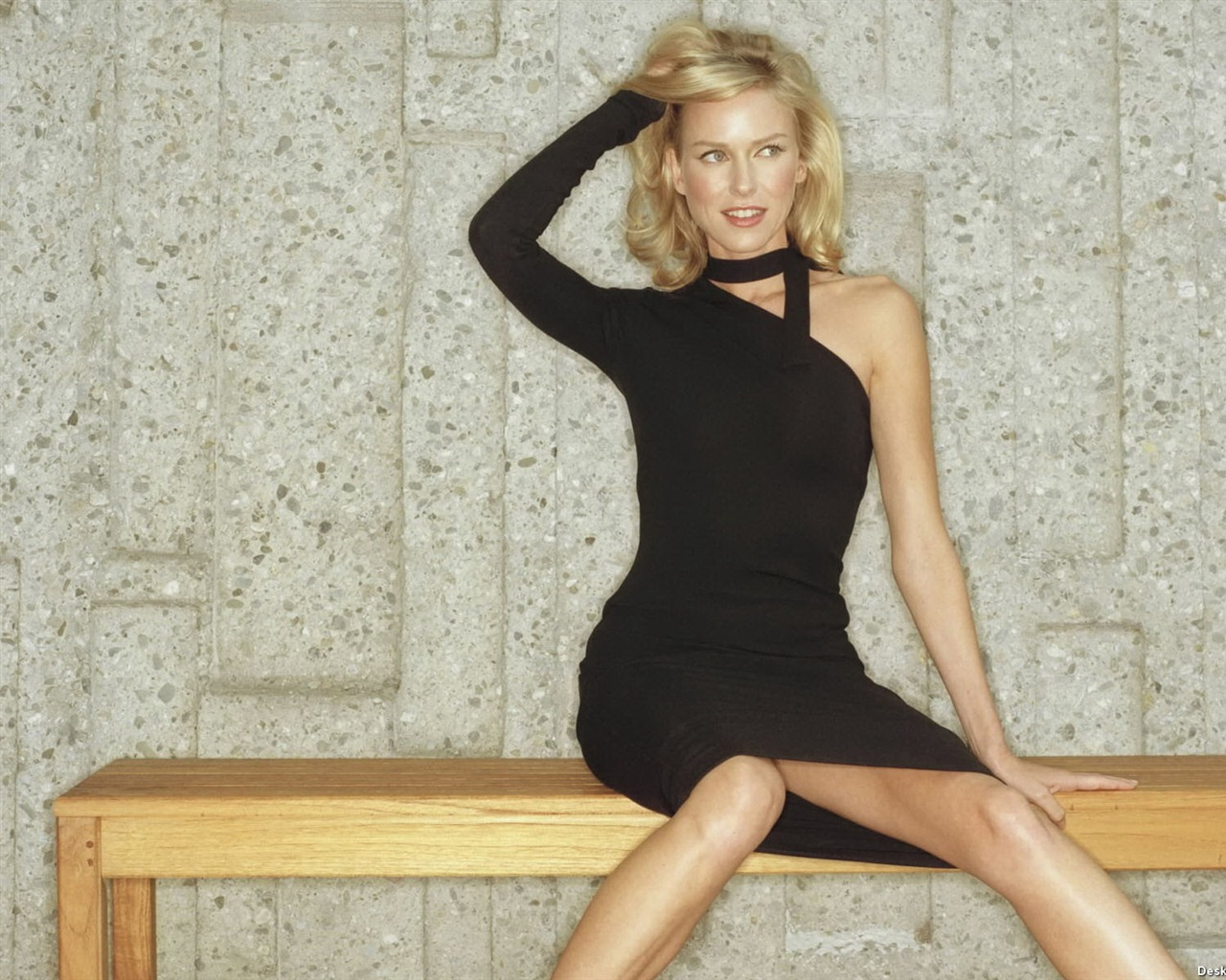 Naomi Watts #028 - 1280x1024 Wallpapers Pictures Photos Images