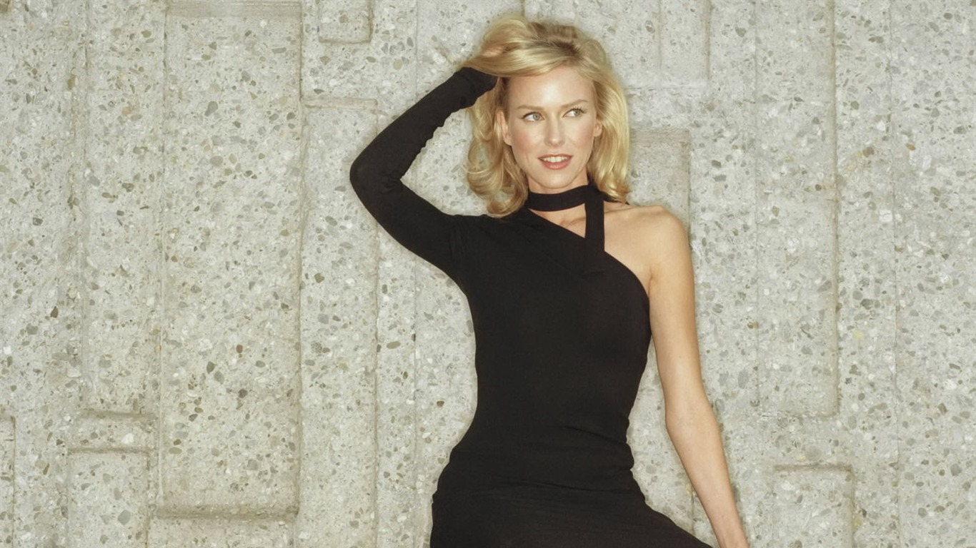 Naomi Watts #028 - 1366x768 Wallpapers Pictures Photos Images