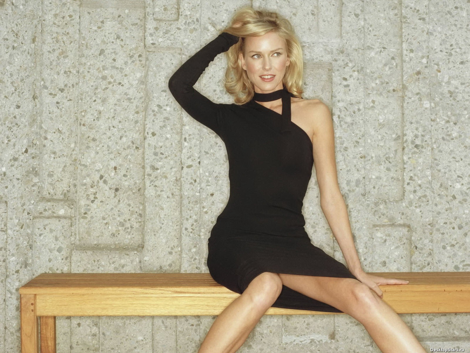 Naomi Watts #028 - 1600x1200 Wallpapers Pictures Photos Images