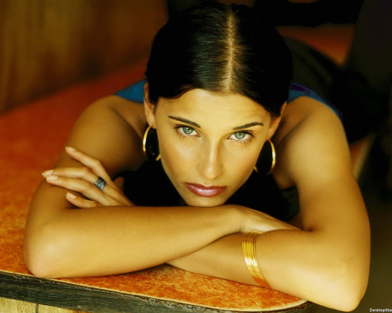 Nelly Furtado #010 - 1280x1024 Wallpaper Download